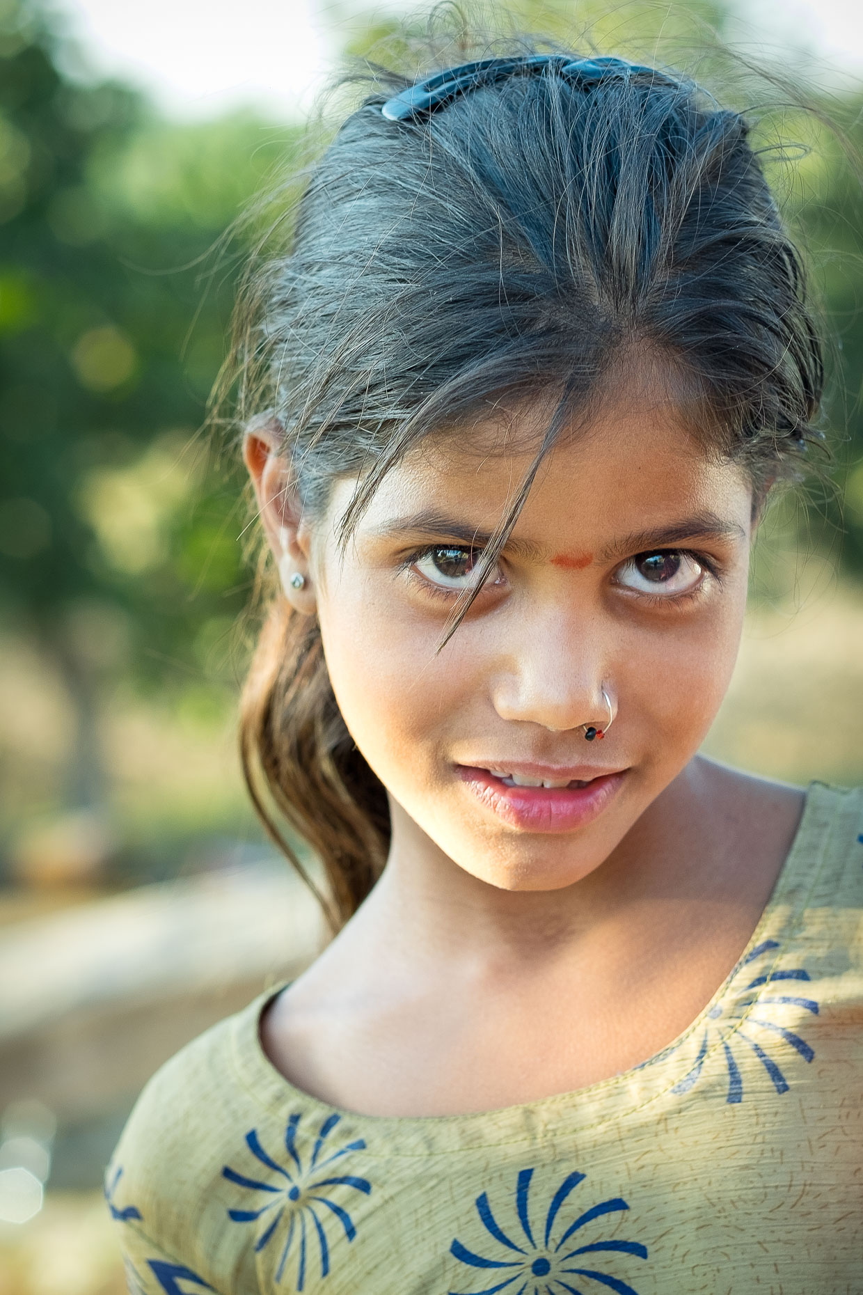 T Young girl, near Udaipur, Rajasthan, India