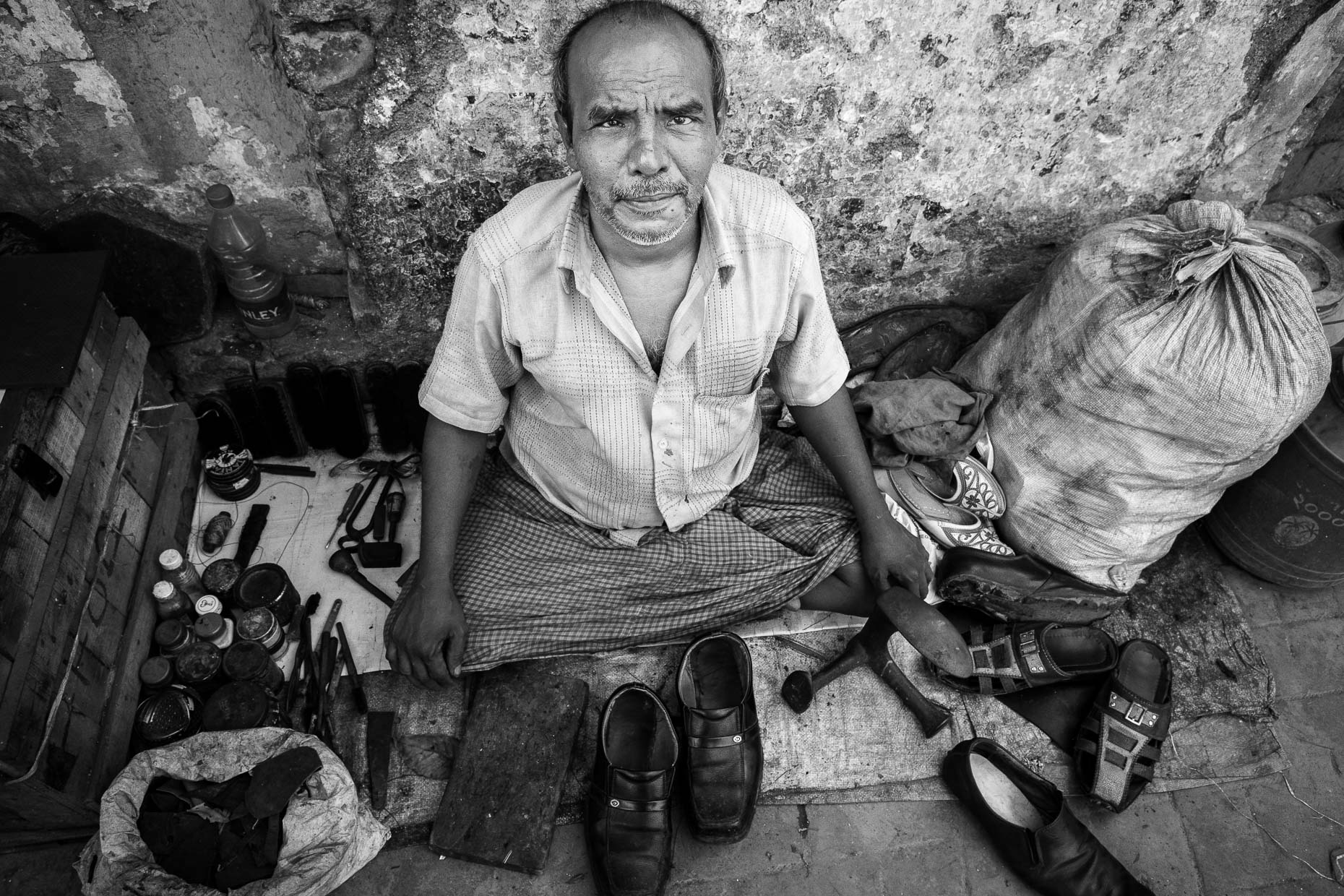 Shoe repair, Kolkata, India